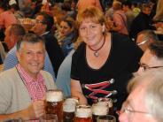 Bobingen: Bedienung, bitte ein Bier!