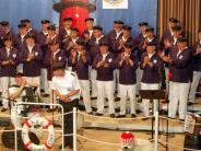 Bobingen: Singende Seemänner an der Singold