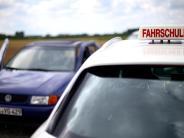 Scherstetten: Fahrlehrer missachtet die Vorfahrt: 50.000 Euro Schaden