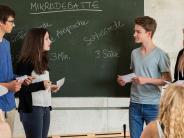 Königsbrunn: Debatten über Haschisch und Schülerausweise