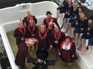 Wettbewerb: Würstchen im Pool