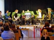 Konzert: Schüler und Lehrer musizieren und geben ihr Bestes