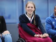Video: Gelähmte Stabhochspringerin Kira Grünberg macht ihre ersten Schritte