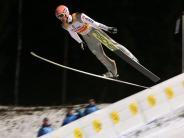 Skispringen Weltcup: Sieg-Hattrick verpasst: Deutsche Skispringer Zweite im Team-Wettbewerb