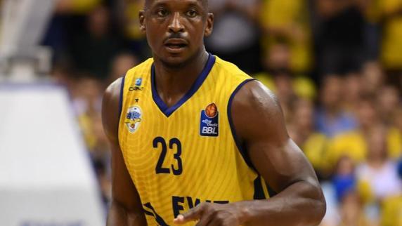 http://bilder.augsburger-allgemeine.de/img/sonstige-sportarten/crop41575266/6667214067-ctopTeaser/Rickey-Paulding-erzielte-19-Punkte-fuer-die-Baskets-Oldenburg.jpg