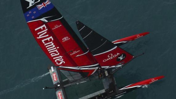 Artemis-Skipper geht bei America's Cup über Bord
