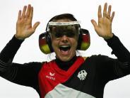Im Finale mit der Sportpistole: Pistolenschützin Karsch holt mit Weltrekord EM-Gold