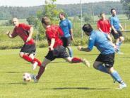 Fußball-A-Klasse: Vier Teams bis zum Schluss gefährdet