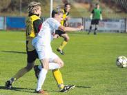 DZ-Fußball-Nachlese: Reihen lichten sich beim Spitzenreiter