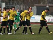 Fußball: Derby der Jungspunde