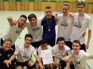 Hallenfußball: Friedberg hat die besseren Nerven