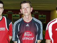 Kegeln:  Büchner vor zwei Bundesliga-Akteuren