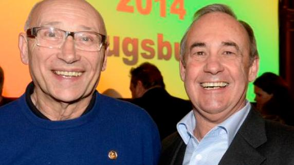 <b>Siegfried Holland</b> (links) und Peter Gruber erhielten die Verdienstnadel in <b>...</b> - Copy-20of-20Sportler-des-Jahres-Augsburg-2014-Feb15-20161