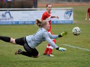 Frauenfußball: Die etatmäßige Keeperin fehlt
