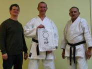 Karate: Jürgen Müller erhält fünften Dan