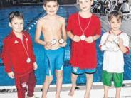 Schwimmen: Zwerge tummeln sich im Wasser