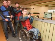 Gau Wertingen: Im Rollstuhl an den Schießstand