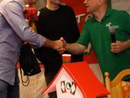 Besuch: FCA-Stars lehnen Rechenspiele ab
