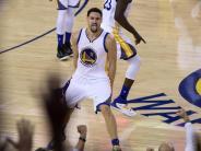 Basketball: Warriors erreichen ohne Curry souverän NBA-Viertelfinale