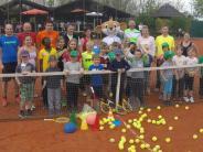 Tennis: Kinder beweisen Ballgefühl