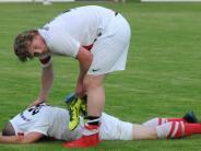 Fußball-Relegation: Am Boden