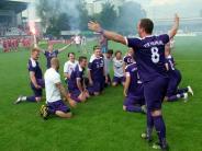 VfR Neuburg feiert gegen Möttingen den...: VfR Neuburg feiert gegen Möttingen den Bezirksliga-Aufstieg