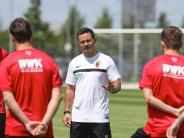 FC Augsburg: Dirk Schuster und der FCA - die Chemie scheint zu stimmen