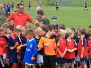 Jugendfußball: 220 Kinder kicken eifrig mit