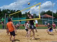 """Beachvolleyball: """"Team Bolleyball"""" setzt sich durch"""