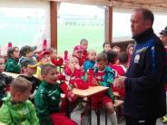 Fußball: Ex-Nationalspieler besucht seine Schule