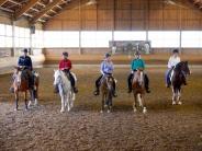Westernreiten: Reiter trotzen Regen in Mainbach