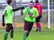 Fußball in der Nachbarschaft: SV Ehingen katapultiert sich an die Spitze zurück