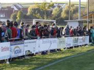 Fußball-Nachlese: Derbys ziehen zahlreiche Fans an