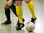 Fußball: Jetzt geht's in die Halle