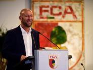 FC Augsburg: FCA-Chef Hofmann blickt sorgenvoll in die Zukunft