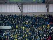 Fußball: 19.000 Fans warten - und der BVB kann nicht landen