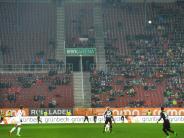 FC Augsburg: Plätze bleiben leer: Die FCA-Arena ist nur noch selten ausverkauft