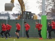 FCA: Beim FC Augsburg ist die Abwehr eine große Baustelle