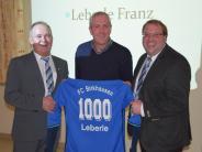 Ehrung: 1000 Spiele für einen Verein