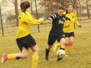 Frauenfußball: Favoritensieg im Pokalderby