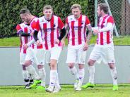 Fußball-Kreisliga: Vier Teams punktgleich an Spitze