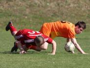 Fußball: Unten auf Augenhöhe