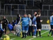 Fußball: Uerdingen-Maskottchen Grotifant rastet wegen roter Karte aus