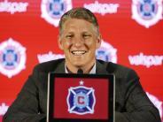 «Oh my god! Schweinsteiger!»: Fans bereiten Schweinsteiger in Chicago begeisterten Empfang