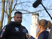 Landkreis Dillingen: Ein Star, 21 weitere Kicker und Hunderte Neugierige