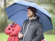 Fußball: Brandmair steht weiter im Regen