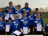 Jugend-Fußball: Nachwuchskeeper trotzenSchnee und Kälte
