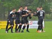 Fußball-Bezirksliga: Schöner jubeln im Regen