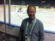 Eishockey: Ein Neusässer ist bei der WM der Organisator hinter der Bande