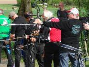 Schießen: Nicht nur mit dem Bogen trifft Gottfried Schmid ins Schwarze